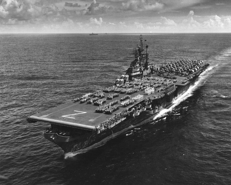 USS_Shangri-La_(CV-38)_underway_in_the_pacific,_1946